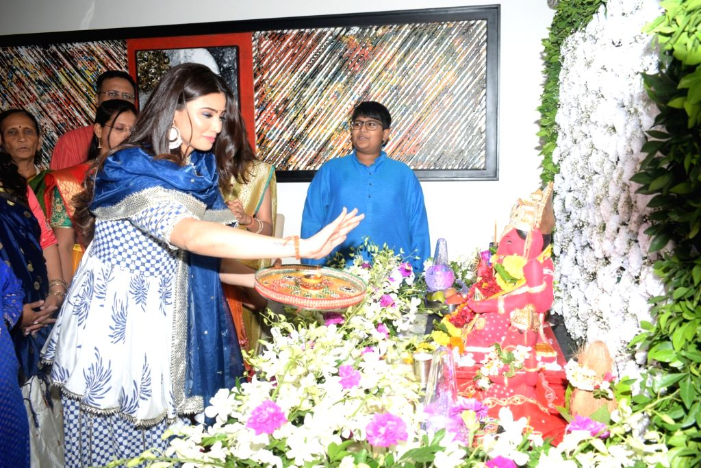 Actress Daisy Shah celebrates Ganesh Chaturthi in Mumbai on Sep 2, 2019. - Daisy Shah