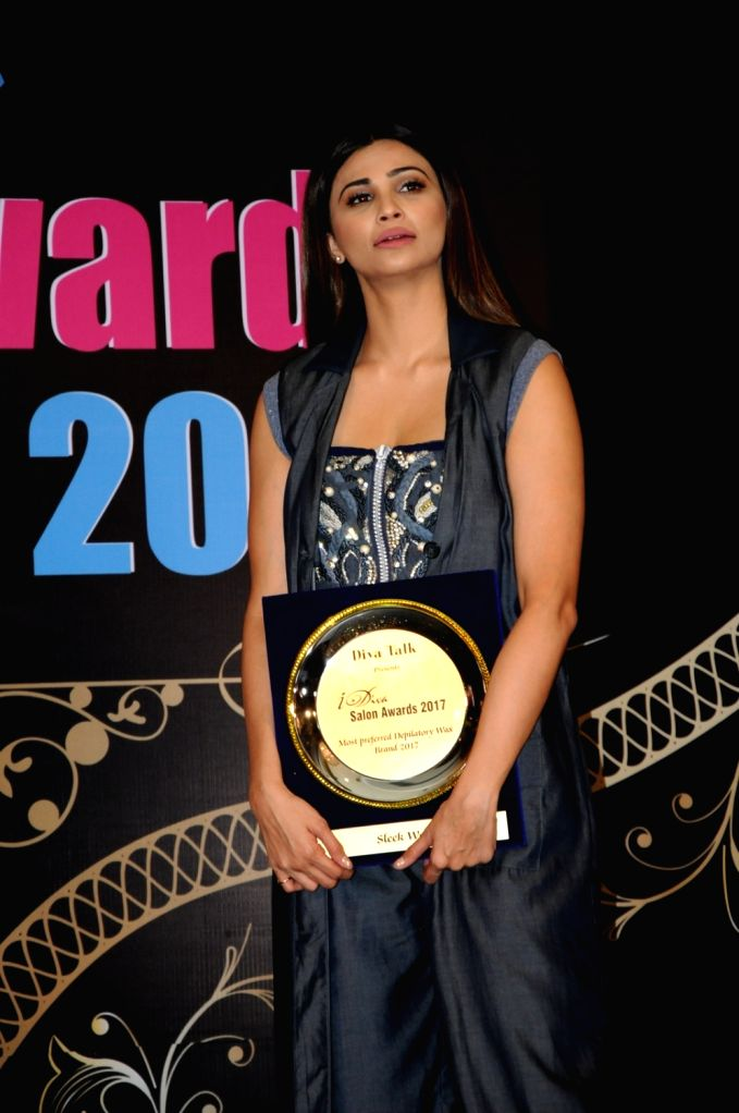 """Actress Daisy Shah during the """"I Diva Awards 2017"""" in Mumbai on Sept 12, 2017. - Daisy Shah"""