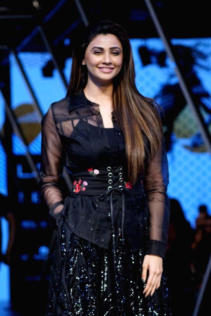 Actress Daisy Shah during the Lakme Fashion Week Winter/Festive 2017 in Mumbai on Aug 20, 2017. - Daisy Shah