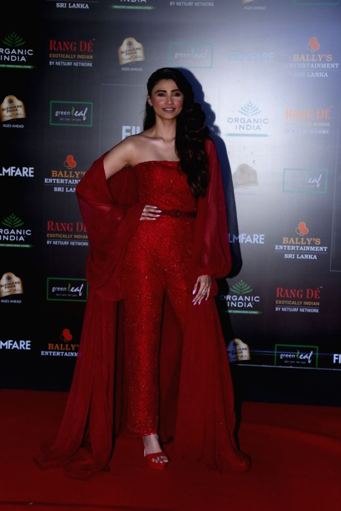 Actress Daisy Shah on the red carpet of Filmfare Glamour And Style Awards 2019 in Mumbai on Dec 3, 2019. - Daisy Shah