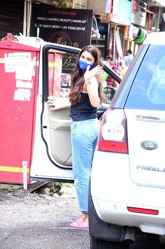 Actress Daisy Shah seen at Bandra in Mumbai on Sep 16, 2020. - Daisy Shah