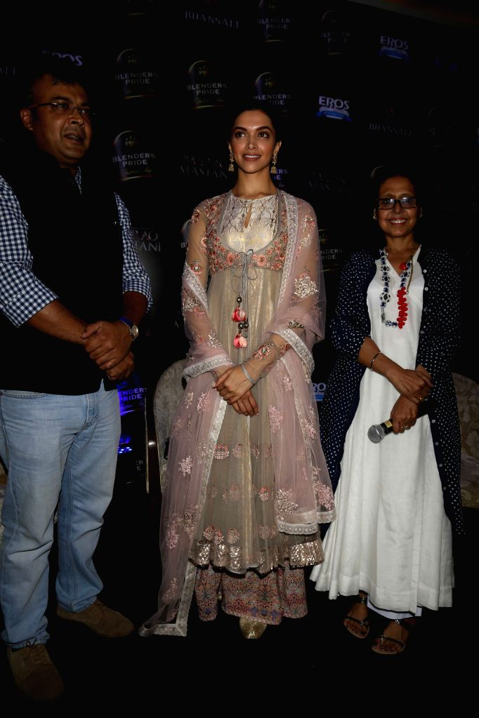 Actress Deepika Padukone and designer Anju Modi during a press conference to launch the song `Deewani Mastani` from the upcoming film Bajirao Mastani, in Gurgaon on Oct 17, 2015. - Deepika Padukone and Anju Modi