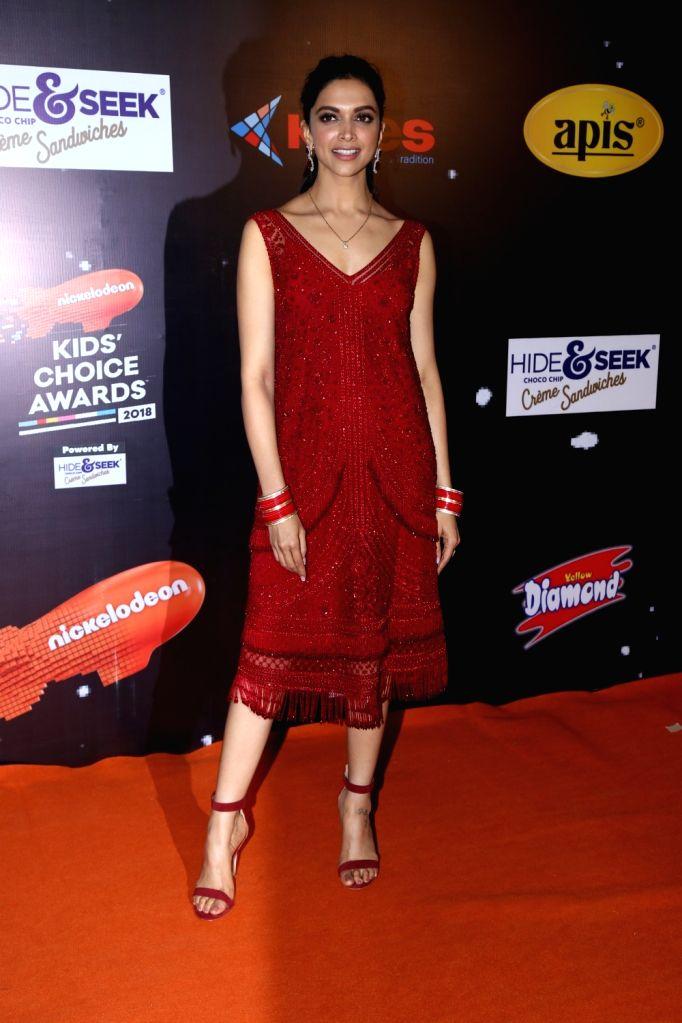 """Actress Deepika Padukone at the orange carpet of """"Nickelodeon Kids Choice Awards 2018"""" on Dec 14, 2018. - Deepika Padukone"""