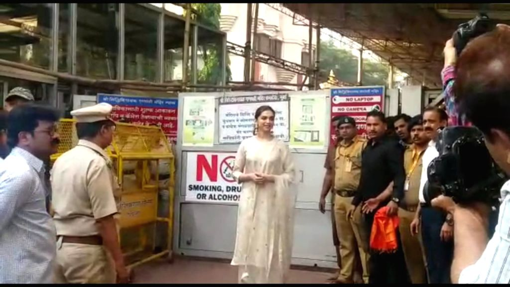 Actress Deepika Padukone during her visit to Shree Siddhivinayak Ganapati temple at Prabhadevi in Mumbai on Jan 10, 2020. - Deepika Padukone