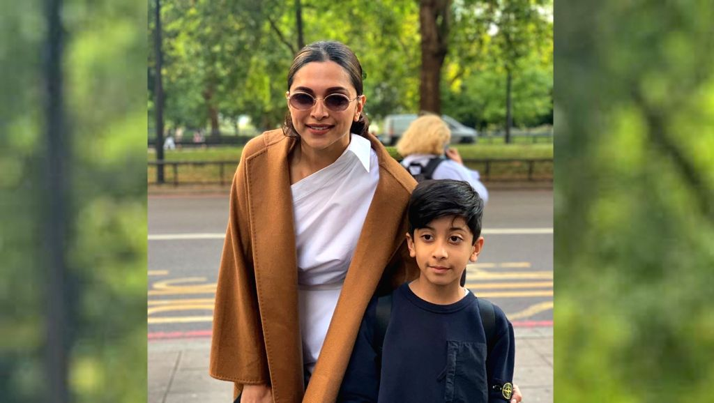 "Actress Deepika Padukone made a young male fan's day by obliging him with a quick photo-op. Deepika is currently busy shooting in London for Kabir Khan's ""'83"", which stars her husband and ... - Deepika Padukone, Kabir Khan, Ranveer Singh and Kapil Dev"