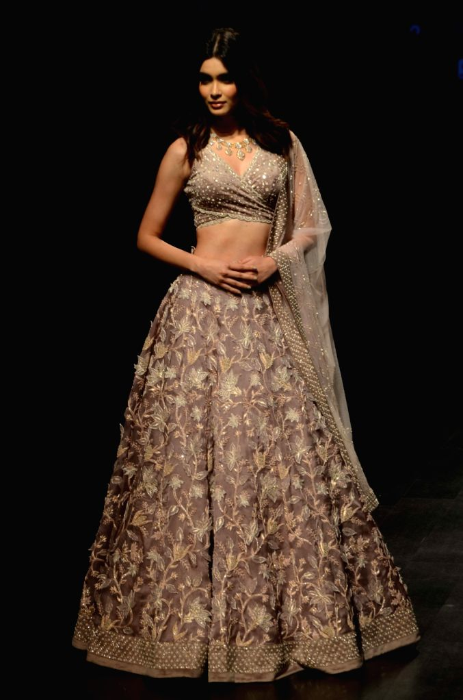 Actress Diana Penty showcases the creation of fashion designer Swapna Anumolu's label Mishru during the Lakme Fashion Week (LFW) Summer/Resort 2019 in Mumbai on Feb 3, 2019. - Diana Penty