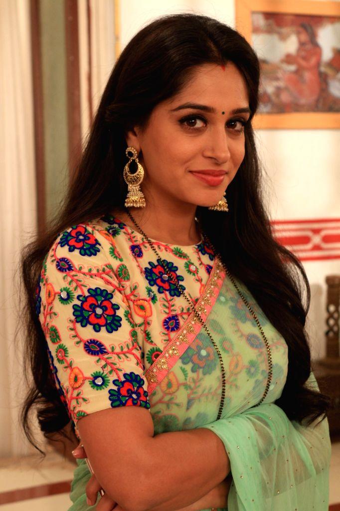 Actress Dipika Kakar - Dipika Kakar