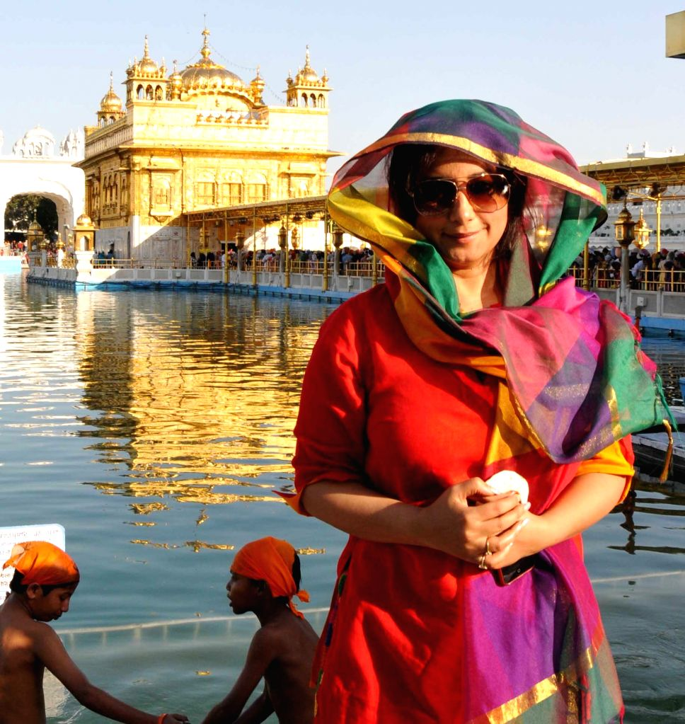 Actress Divya Dutta pays obeisance at the Golden Temple in Amritsar on April 20, 2014.