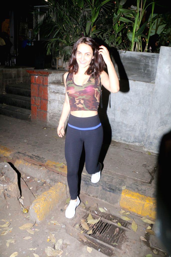 Actress  Elli AvRam seen at Bandra in Mumbai on Dec 29, 2017. - Elli A