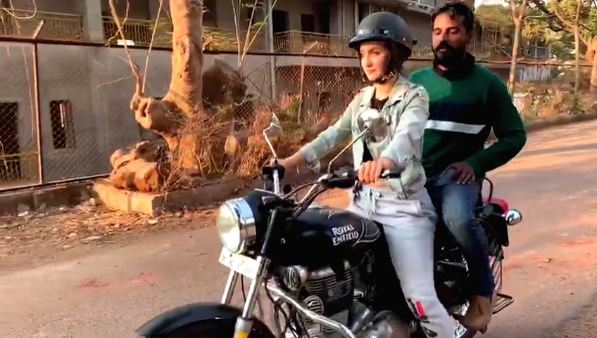 "Actress Elli AvrRam had to learn how to ride a bike for her role in ""Malang"", and she is glad that she could learn it in just three days. - Elli Avr"