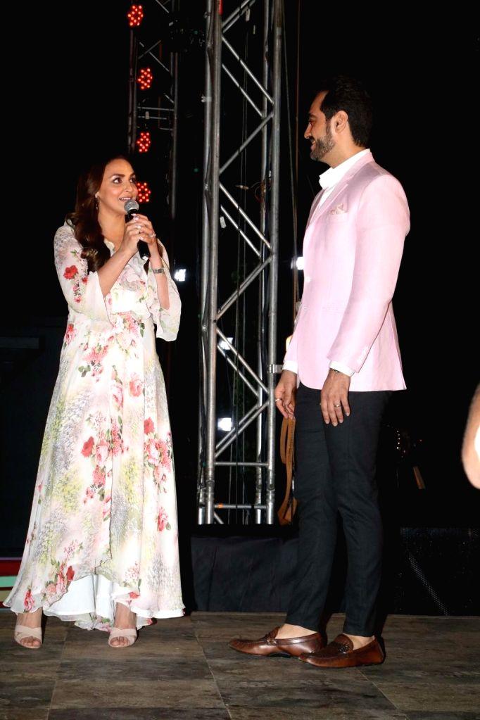 "Actress Esha Deol and her husband Bharat Takhtani unveils Kasautii Zindagi Kay 2's ""Statue of Love"" in Mumbai on Sept 10, 2018. - Esha Deol"