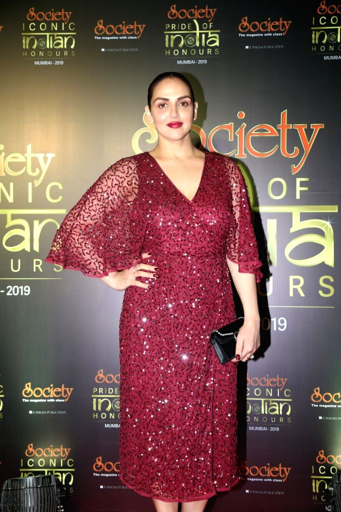 Actress Esha Deol during Society Awards at Taj Santacruz in Mumbai on Nov 16, 2019. - Esha Deol