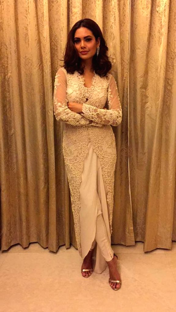 Actress Esha Gupta  at the Cama Awards function in Mumbai on April 25, 2017. - Esha Gupta