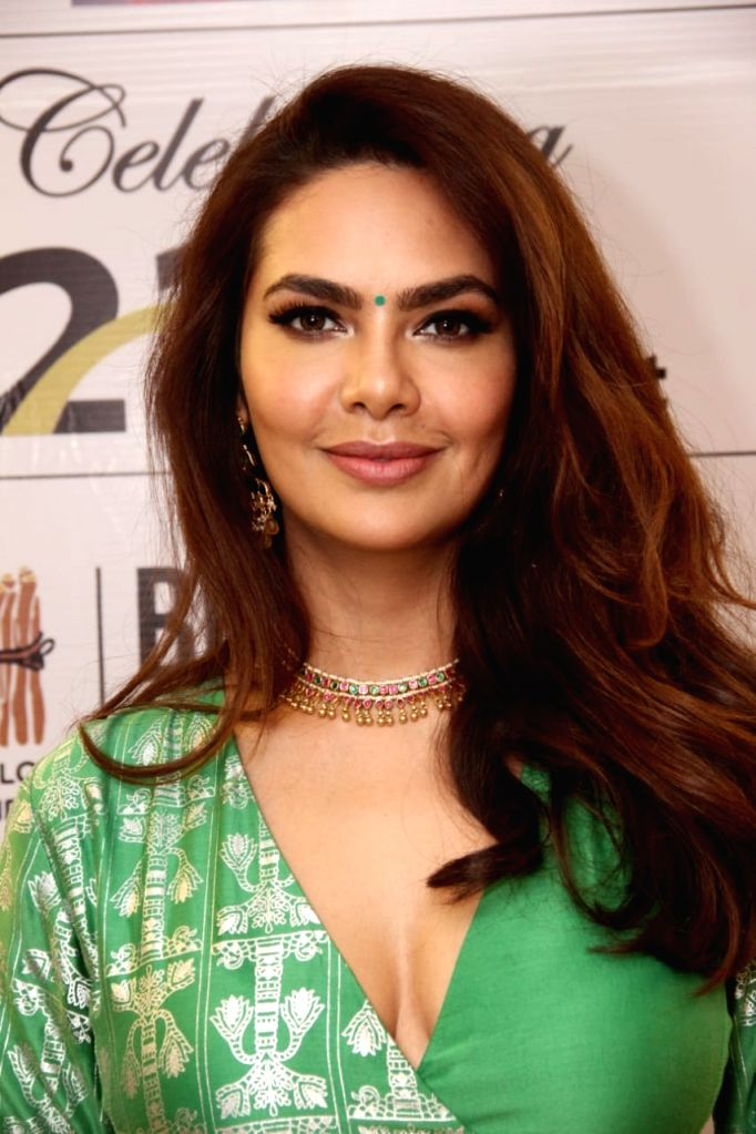 Actress Esha Gupta, who was recently felicitated with the Green Crusader Award by Bhamla Foundation, says protecting Mother Nature is???'t about a nation and i???'s everyone's duty to protect the ... - Esha Gupta