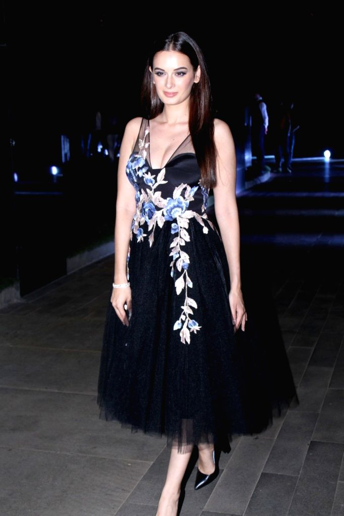 """Actress Evelyn Sharma at red carpet of """"Luxury & Fashion As Hello! & Audi"""" in Mumbai on Oct 5, 2017. - Evelyn Sharma"""