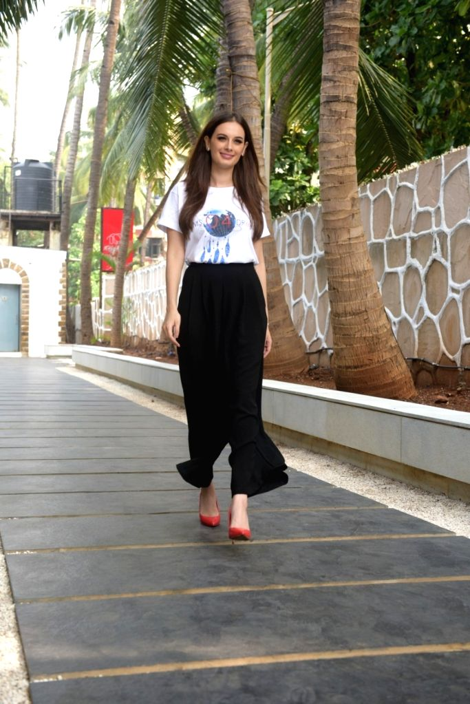 Actress Evelyn sharma during a programme in Mumbai on Dec 7, 2017. - Evelyn