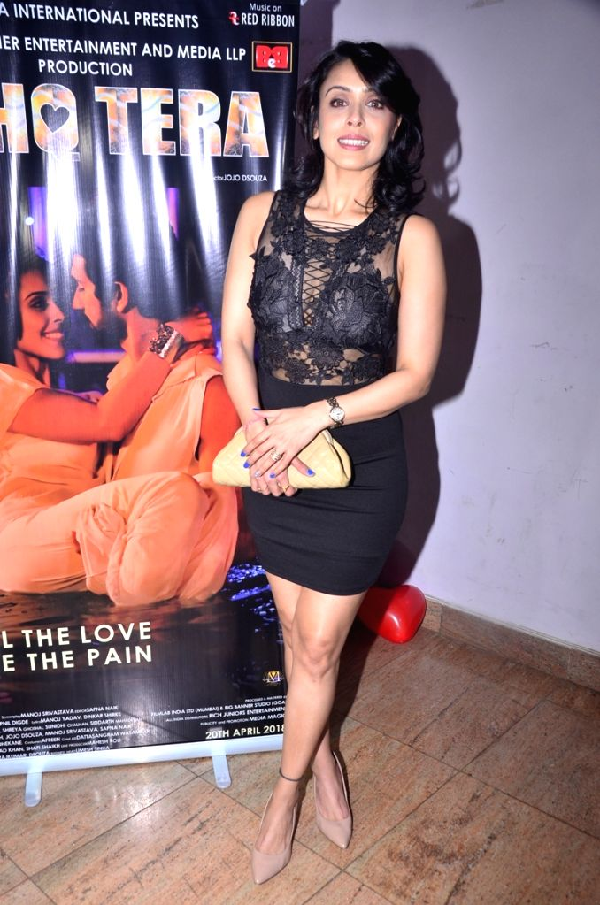 """Actress Hrishitaa Bhatt during music launch of upcoming film """"Ishq Tera"""" in Mumbai, on March 27, 2018. - Hrishitaa Bhatt"""