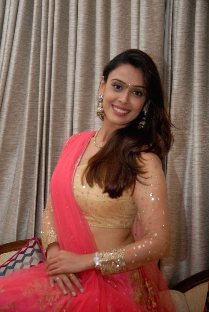 Actress Hrishitaa celebrate the festival of lights Diwali with diyas in Mumbai on Oct 27, 2016. - Hrishitaa
