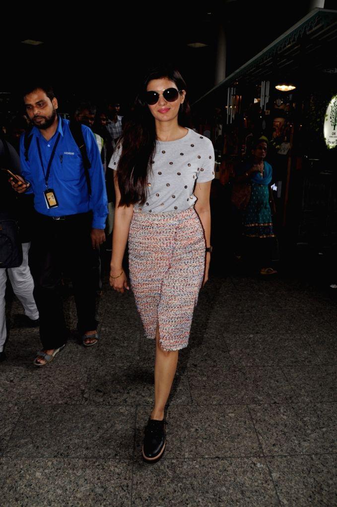 Actress Ihana Dhillon seen at Chhatrapati Shivaji International Airport in Mumbai on July 17, 2018. - Ihana Dhillon