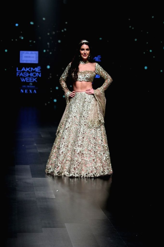 Actress Isabel Kaif walks the ramp in fashion designer Shehla Khan's creation during Lakme Fashion Week (LFW) Summer/Resort 2019 in Mumbai, on Feb 3, 2019. - Isabel Kaif and Shehla Khan