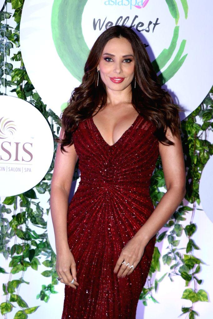 Actress Iulia Vantur at the red carpet of Asia Spa Fit & Fabulous Awards 2018 in Mumbai on Oct 30, 2018. - Iulia Vantur
