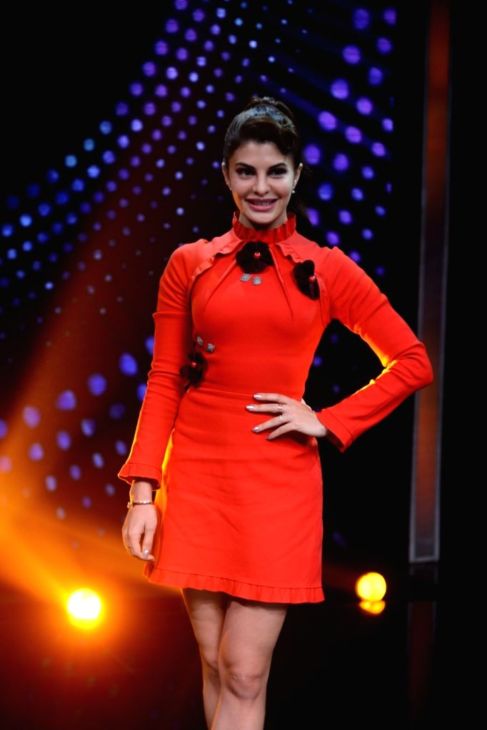 Actress Jacqueline Fernandez during the promotion of film Housefull 3 on the set of Zee TV musical show Sa Re Ga Ma Pa in Mumbai, on May 26, 2016. - Jacqueline Fernandez