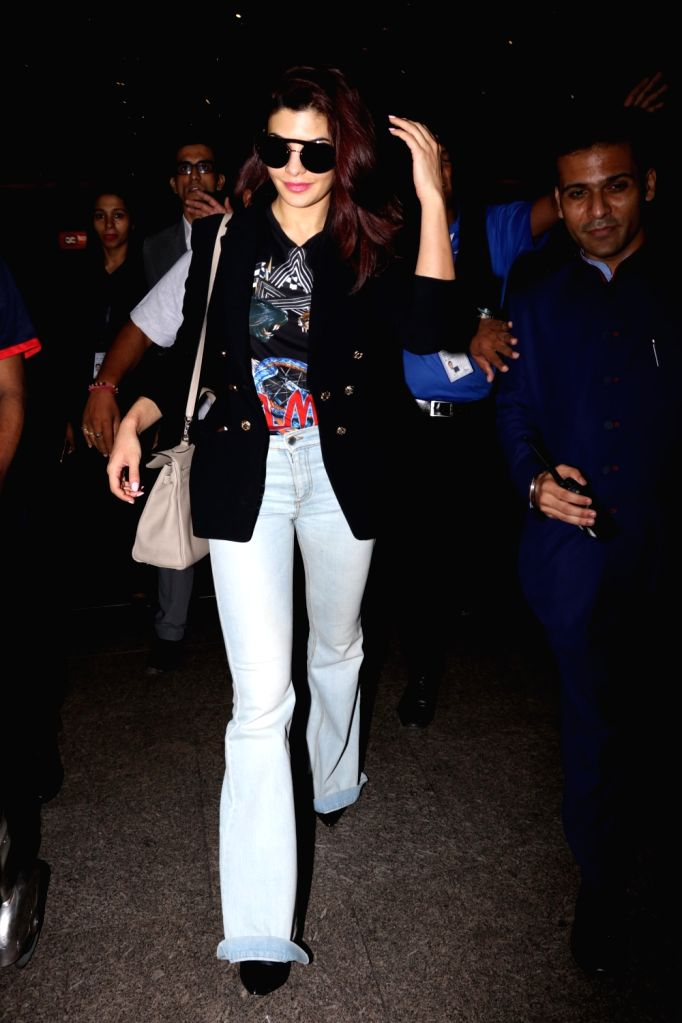 Actress Jacqueline Fernandez spotted at Chhatrapati Shivaji Maharaj International airport in Mumbai on Sept 18, 2017. - Jacqueline Fernandez