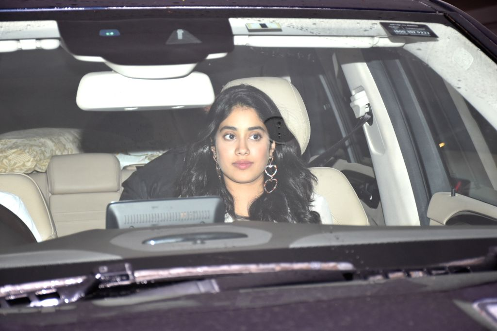 Actress Janhvi Kapoor arrives at filmmaker Karan Johar's house party, in Mumbai on June 12, 2019. - Janhvi Kapoor