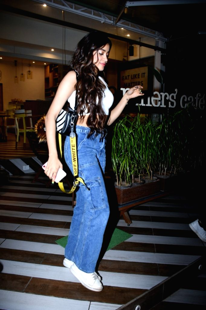 Actress Janhvi Kapoor seen at a Bandra cafe, in Mumbai on Feb 11, 2020. - Janhvi Kapoor