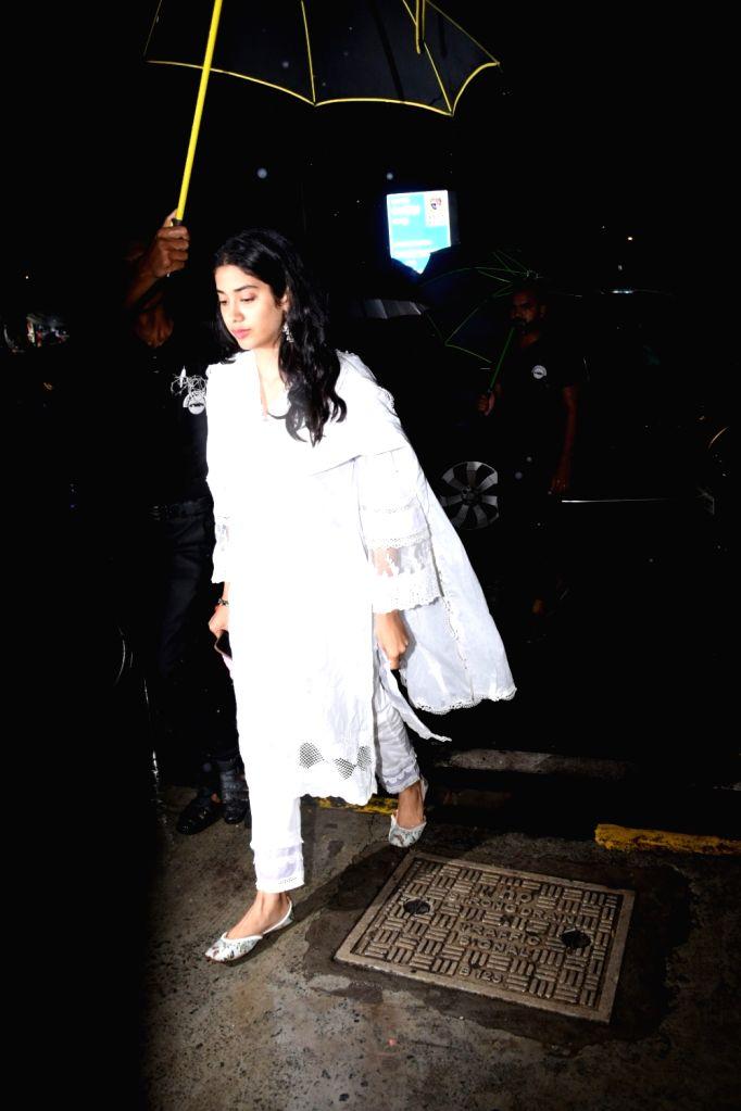 Actress Janhvi Kapoor seen at Bandra in Mumbai on July 27, 2019. - Janhvi Kapoor