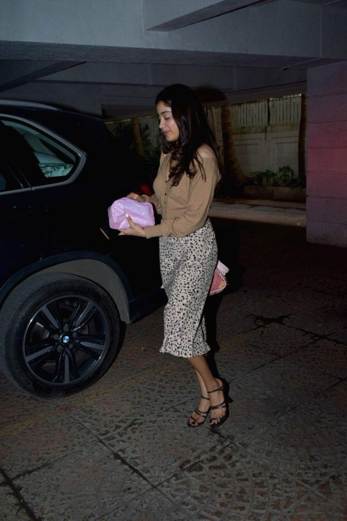 Actress Janhvi Kapoor seen at Juhu, in Mumbai on Dec 11, 2019. - Janhvi Kapoor