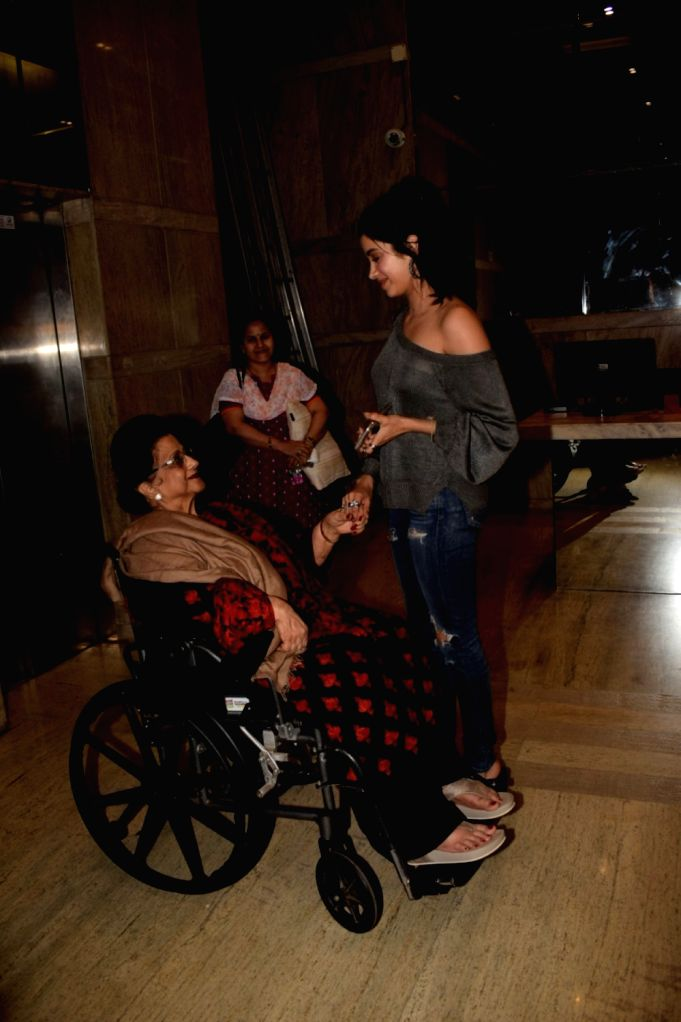 """Actress Janhvi Kapoor with her grand mother Nirmal Kapoor at the special screening of film """"Dhadak"""" in Mumbai on July 19, 2018. - Janhvi Kapoor and Nirmal Kapoor"""