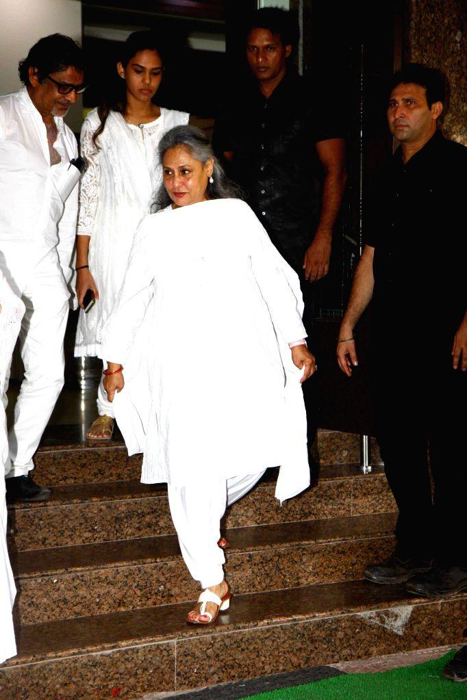 Actress Jaya Bachchan during the prayer meet of Pandit Pandharinath Kolhapure, in Mumbai, on Aug 18, 2015. Pandit Pandharinath, who expired on August 15, 2015, is the father of actor Shraddha ... - Jaya Bachchan, Shraddha Kapoor and Shivangi Kapoor