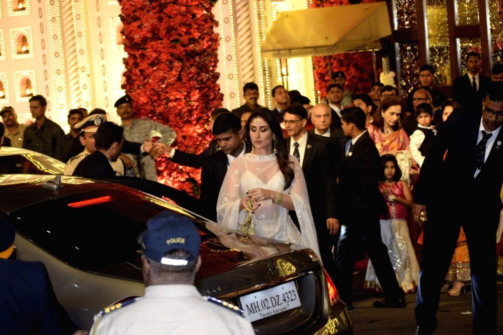 Actress Kareena Kapoor at the wedding ceremony of industrialist Mukesh Ambani's daughter Isha Ambani and Anand Piramal at Antilia in Mumbai on Dec 12, 2018. - Kareena Kapoor, Mukesh Ambani and Isha Ambani