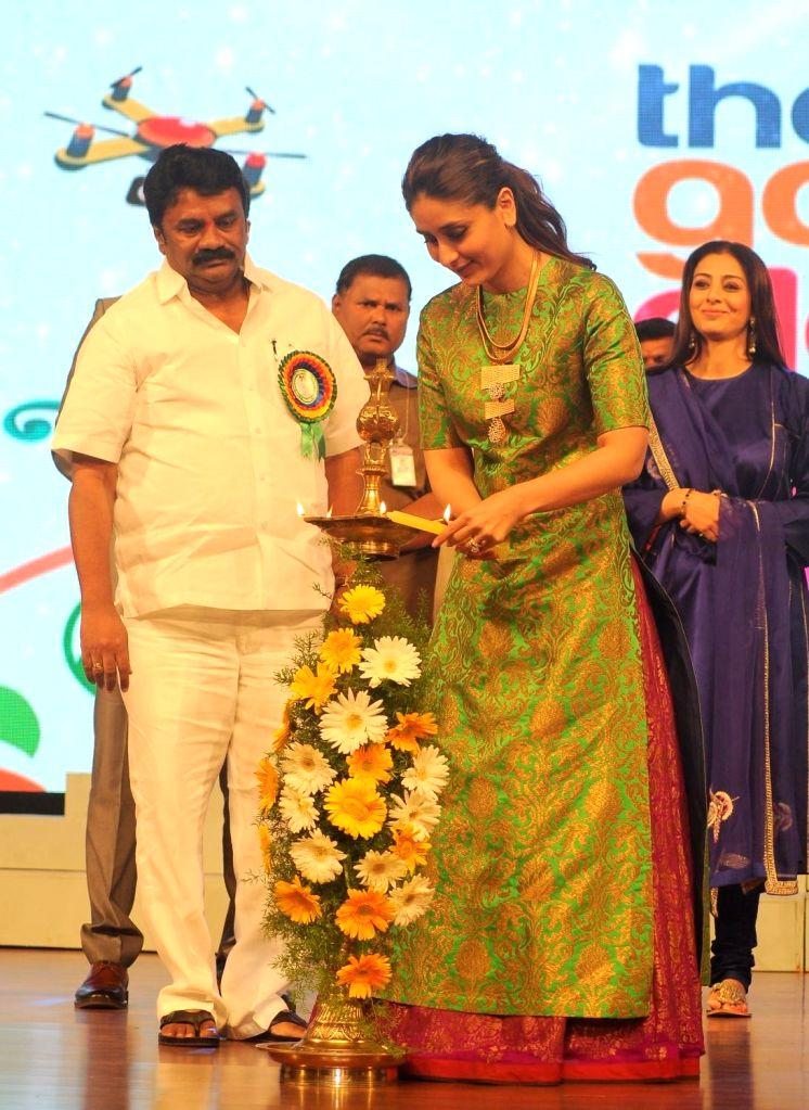 Actress Kareena Kapoor during the 19th The Golden Elephant International Children`s Film Festival (ICFFI) in Hyderabad on November 15, 2015. - Kareena Kapoor