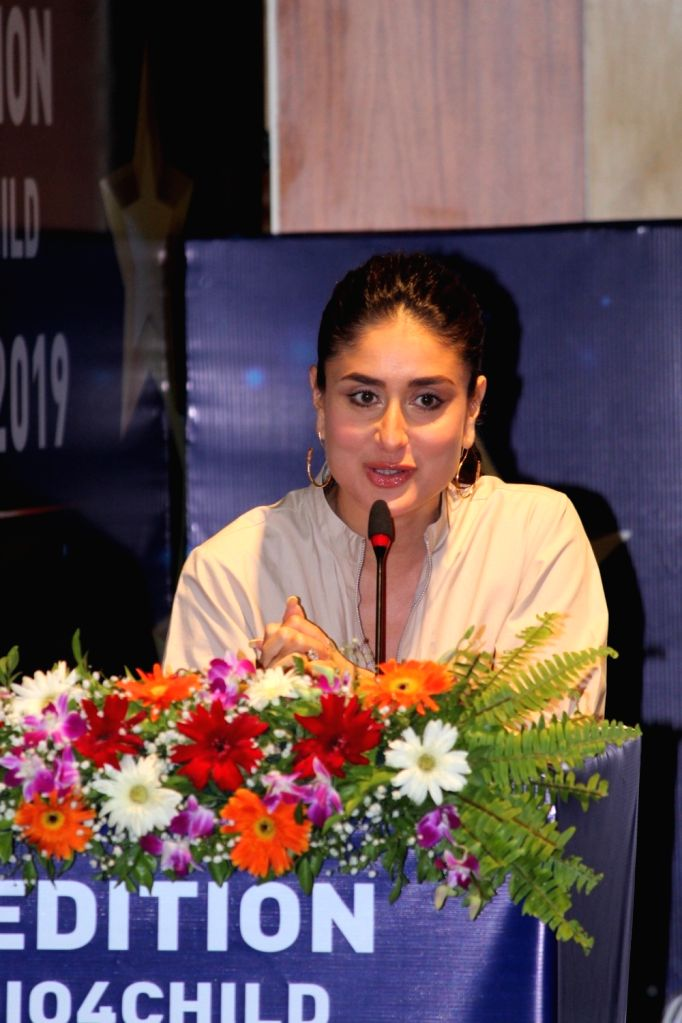 Actress Kareena Kapoor Khan addresses at the third edition of the UNICEF-AROI Radio4Child Awards, in Mumbai on May 10, 2019. - Kareena Kapoor Khan