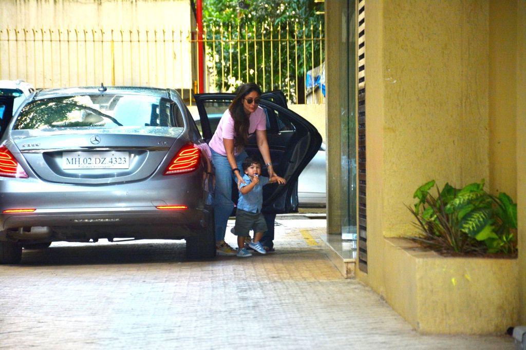 Actress Kareena Kapoor Khan along with her son Taimur seen at sister Karisma Kapoor's residence in Mumbai on Sept 9, 2018. - Kareena Kapoor Khan and Karisma Kapoor
