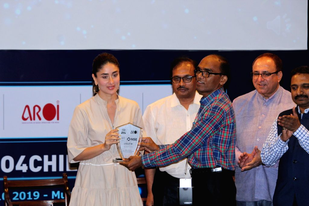 Actress Kareena Kapoor Khan at the third edition of the UNICEF-AROI Radio4Child Awards, in Mumbai on May 10, 2019. - Kareena Kapoor Khan