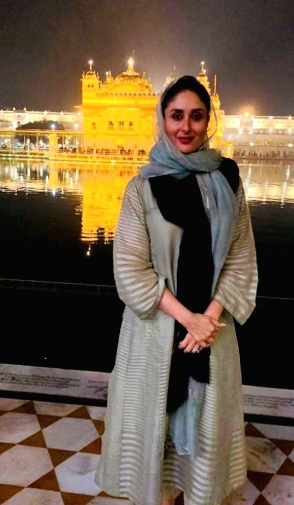 Actress Kareena Kapoor Khan pays obeisance at the Golden Temple in Amritsar on Dec 2, 2019. - Kareena Kapoor Khan
