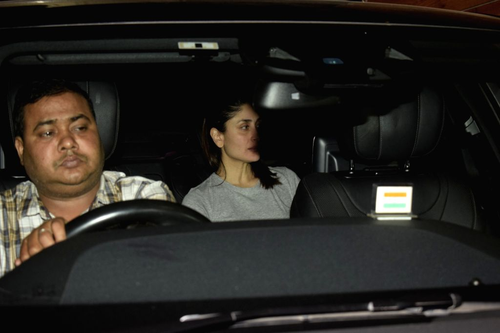 Actress Kareena Kapoor Khan seen at actress Amrita Arora's residence in Mumbai's Bandra on Nov 28, 2018. - Kareena Kapoor Khan and Amrita Arora