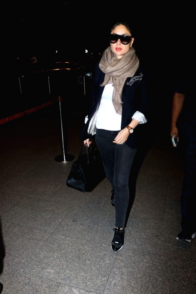 Actress Kareena Kapoor Khan seen at Chhatrapati Shivaji Maharaj International airport in Mumbai on Jan 17, 2018. - Kareena Kapoor Khan