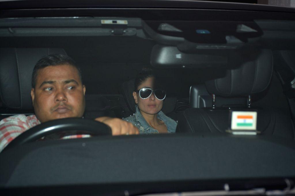 Actress Kareena Kapoor Khan seen at Karan Johar's house in Mumbai's Bandra on Nov 4, 2018. - Kareena Kapoor Khan