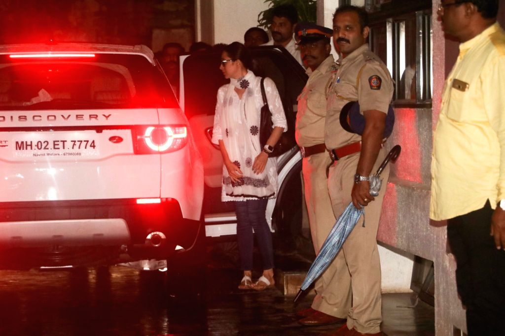 Actress Karisma Kapoor reaches the residence of actor Shashi Kapoor in Mumbai on Dec 5, 2017. Veteran actor Shashi Kapoor, who passed away at a city hospital here a day ago after a period of ... - Karisma Kapoor and Shashi Kapoor