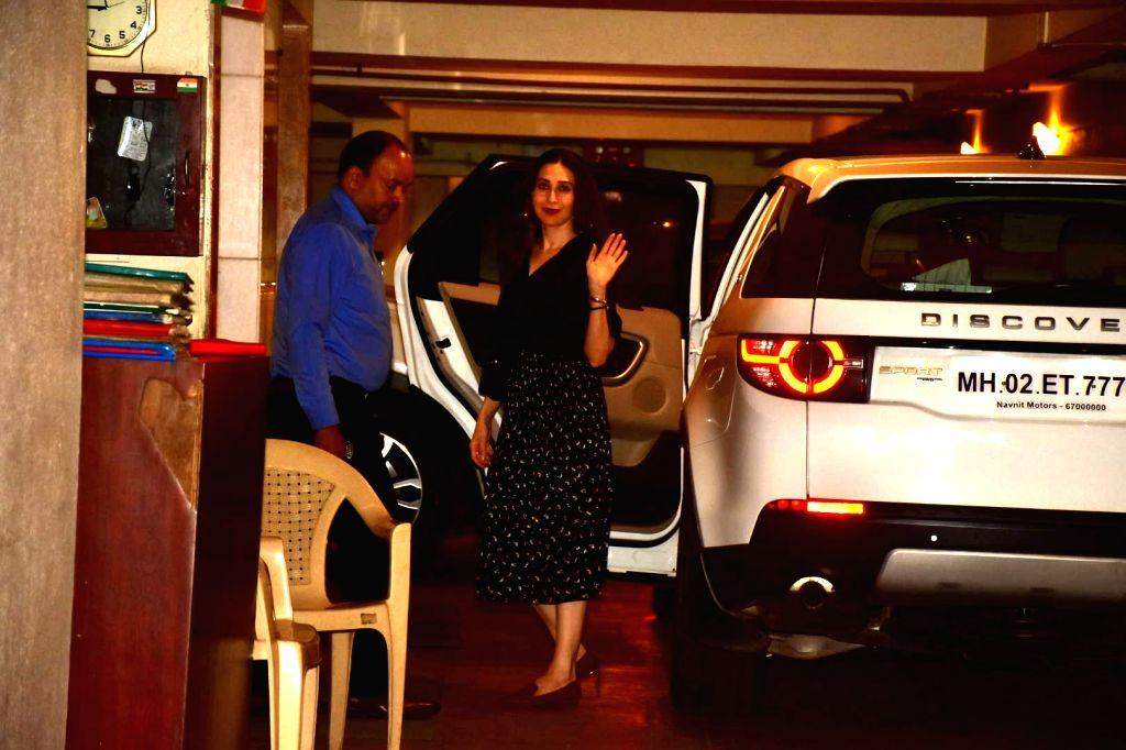 Actress Karisma Kapoor seen at her sister Kareena Kapoor's residence at Bandra in Mumbai, on Oct 16, 2019. - Karisma Kapoor and Kareena Kapoor
