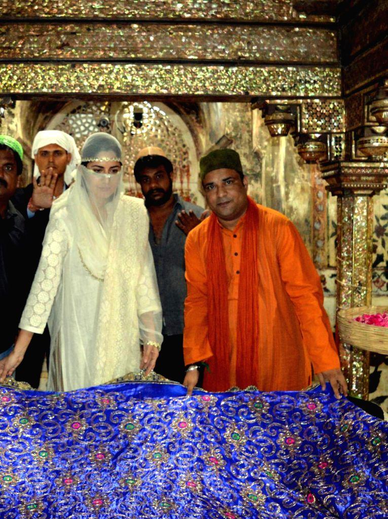 Actress Katrina Kaif pays obeisance at Fatehpur Sikri Dargah in Agra, on Sept 12, 2016. - Katrina Kaif