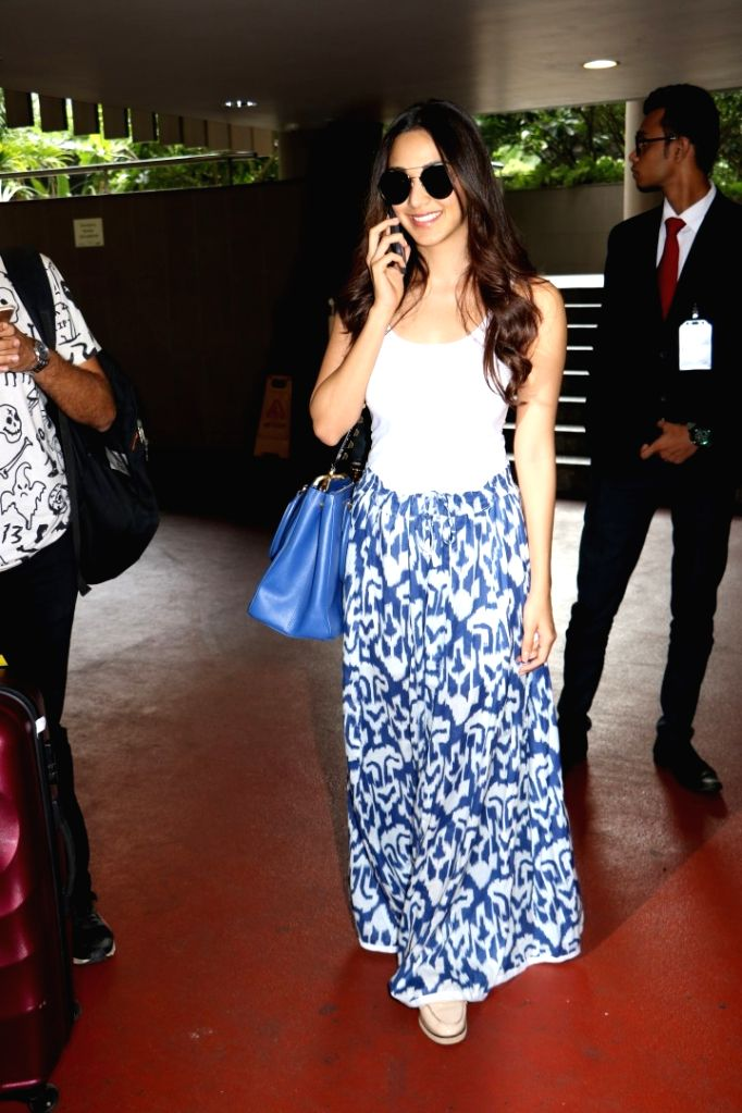 Actress Kiara Advani at Chhatrapati Shivaji International Airport in Mumbai, on July 3, 2017. - Kiara Advani