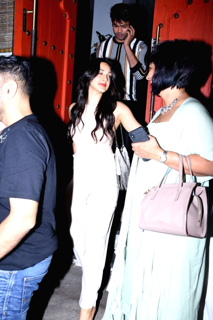 Actress Kiara Advani seen at a restaurant at Bandra in Mumbai, on Oct 9, 2019. - Kiara Advani