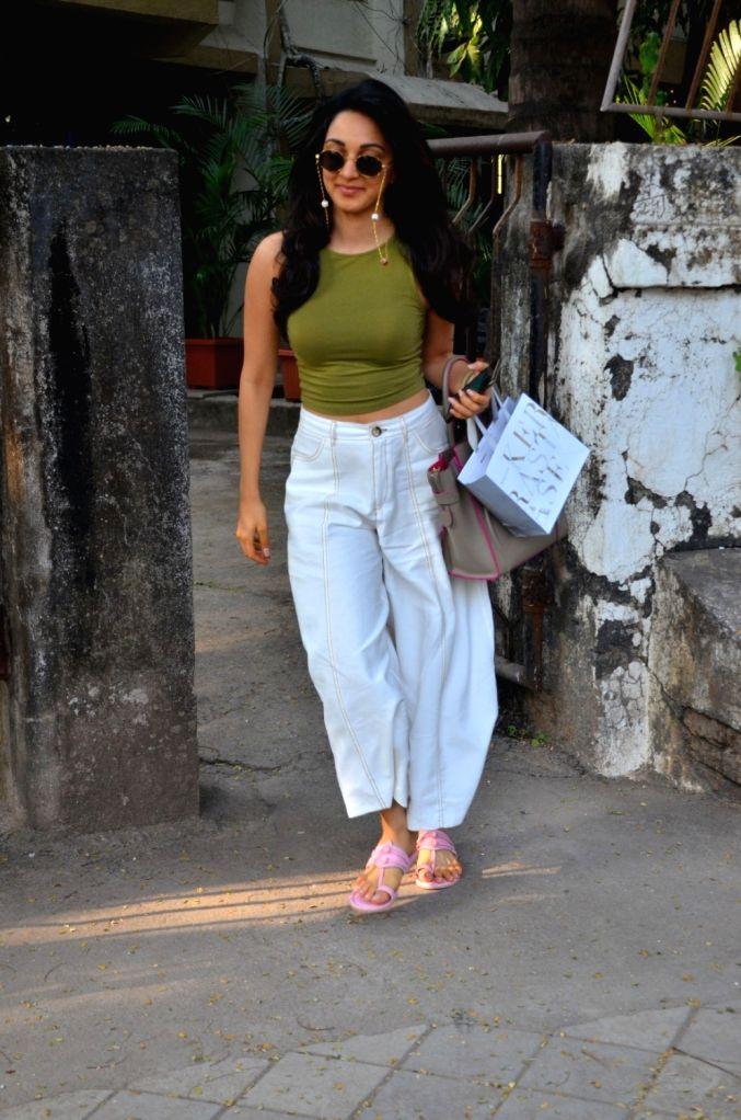 Actress Kiara Advani seen at Juhu, in Mumbai on Dec 11, 2019. - Kiara Advani