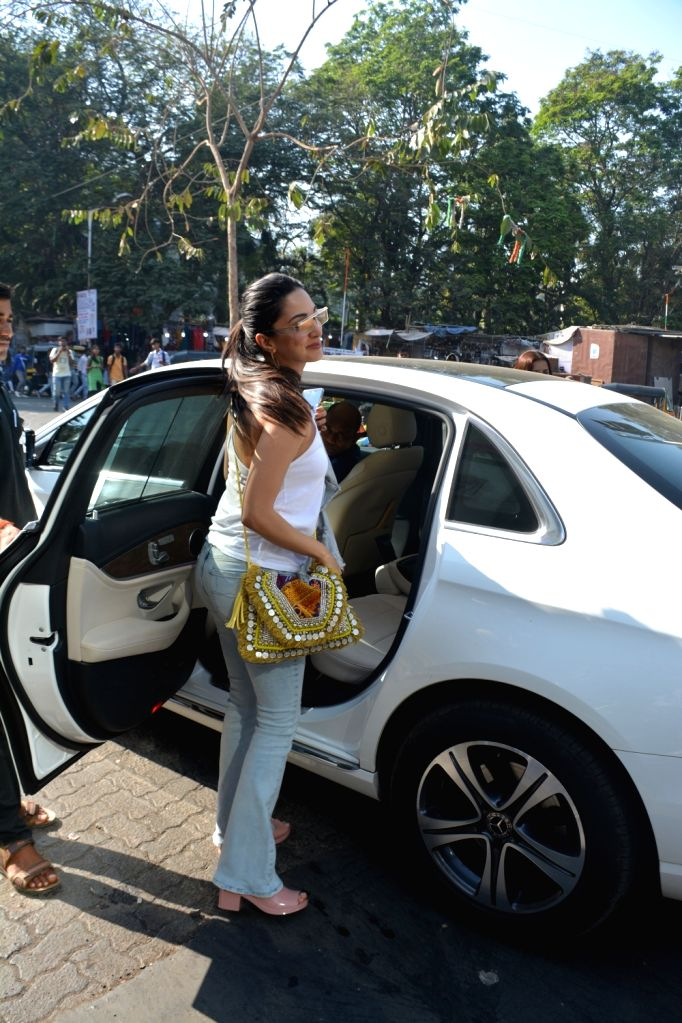 Actress Kiara Advani seen in Mumbai's Bandra on Feb 23, 2019. - Kiara Advani
