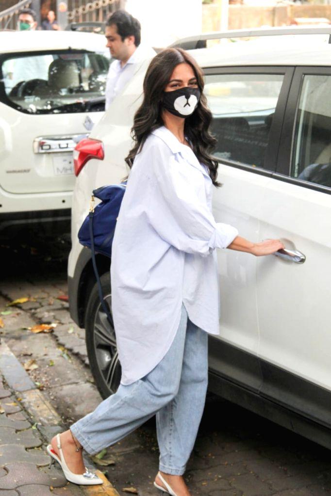 Actress Kriti Kharbanda seen at a Bandra salon in Mumbai on Oct 21, 2020. - Kriti Kharbanda